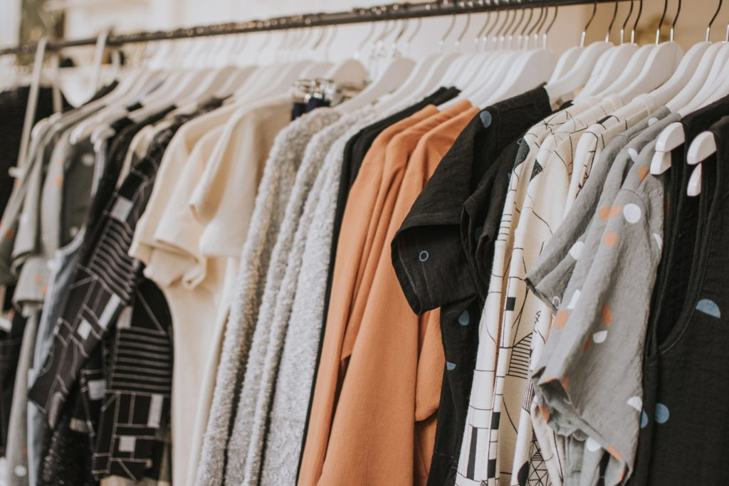 simplify your wardrobe with these 3 methods and save 91 hours in decision making minutes a year