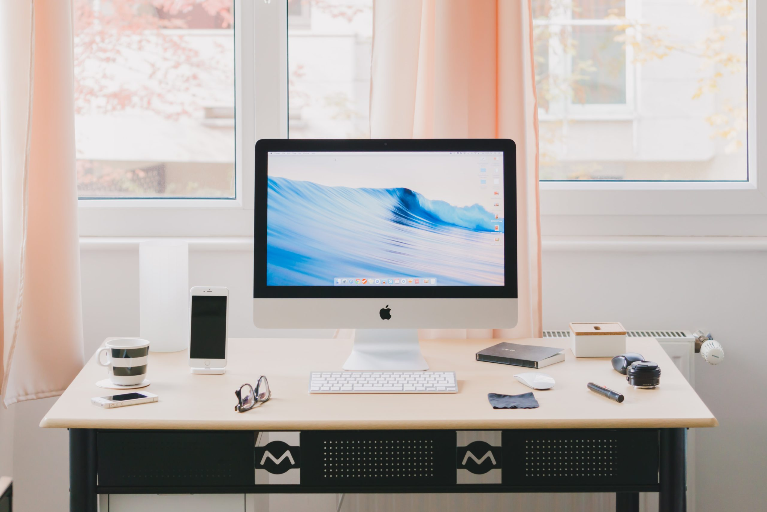 You are currently viewing Overwhelmed? Declutter Your Office Now.